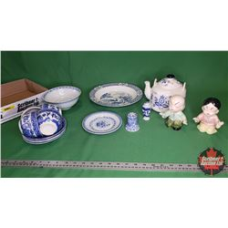 Tray Lot - Oriental Glassware Grouping : Figurines, Tea Pot & Cups & Bowls, etc