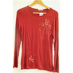 H-M FAMILY WOMENS LONG SLEEVE STRETCHY BEADED