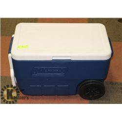 COLEMAN COOLER 40 QT WITH WHEELS & PULL HANDLE