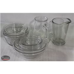 13PCS OF VINTAGE GLASS BOWLS AND PITCHERS