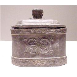 685 19th Century Chinese Box #862936