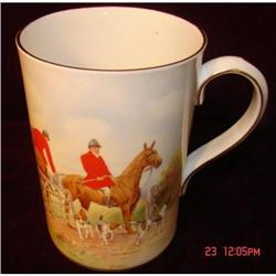 ROYAL CROWN DERBY ENGLISH HUNTING SCENE MUG #862965