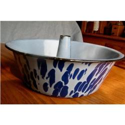 Antique Graniteware Funnel Cake Pan #863005