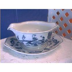 Blue Danube Gravy Boat Attached Tray Japan #897048