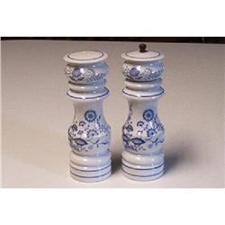 Decorative,  Salt/Pepper Shakers #916315