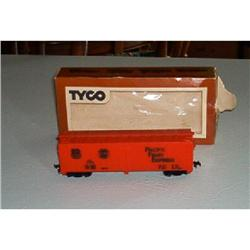 "TYCO ""Pacific Fruit Express"" Train Car #916323"
