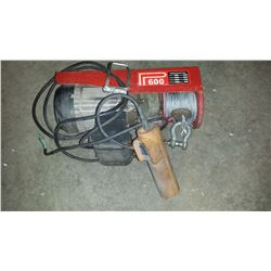 Electric Wire hoist with remote 110v (tested)