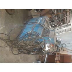 Miller Dimension 400 welding Machine with Miller feeder (working good)