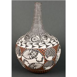 Emmalita C. Chino | Acoma Polychrome Long Neck Pot