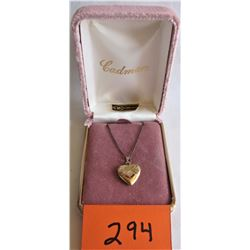 """HEART SHAPE PICTURE LOCKET - 18"""" CHAIN - GOLD FILL"""