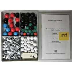 1984 MOLECULAR MODEL SET - ORGANIC CHEMISTRY - MADE IN ENGLAND