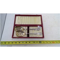 SALAD SERVING SET IN BOX-MADE IN ENGLAND