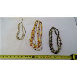 LOT OF 1950'S NECKLACES (4)