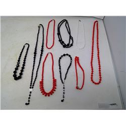 LOT OF 1940'S GLASS BEAD NECKLACES