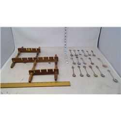 Spoon Rack with Spoon Collections (17 Spoons)