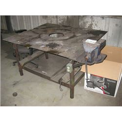 METAL FAB BENCH WITH VISE
