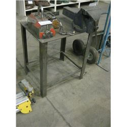 VISE AND METAL BENCH