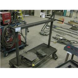 ROLLER CART WITH PAIR OF PEDDLES