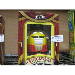M AND M´S NUTCRACKER DISPENSER YELLOW