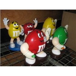 SET OF 4 ASSORTED M AND M´S FIGURES