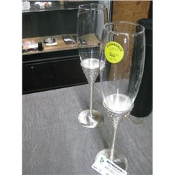 SET OF 2 MATCHING CHAMPAGNE GLASSES