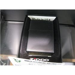 NEW ZIPPO MATTE BLACK LIGHTER