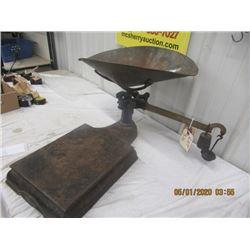 BN- Gurney Counter Platform Scale w Tray Vintage