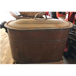 LARGE COPPER BOILER W / LID
