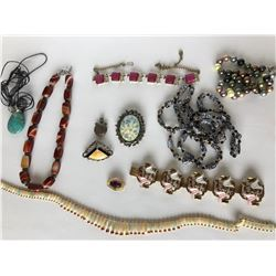 LOT OF MISC VINTAGE JEWELRY