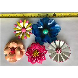 GR OF 5, VINTAGE METAL & ACRYLIC FLORAL BROACHES