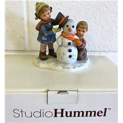 HUMMEL FIGURINE - CROWNING TOUCH