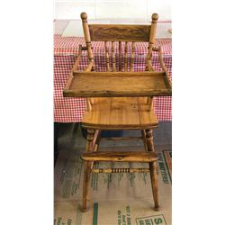 ANTIQUE OAK CHILDS HIGH CHAIR - VERY GOOD CONDITION