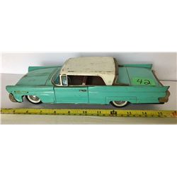 VINTAGE TIN LINCOLIN CONTINENTIAL MARK III TOY CAR