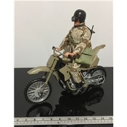 'SOLIDIERS OF THE WORLD' - DESERT STORM FIGURINE ON MOTORCYCLE