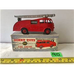 DINKY TOYS FIRE ENGINE WITH LADDER