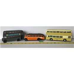 GR OF 3 CORGI DIE-CAST BUSES WITH ADVERTISING