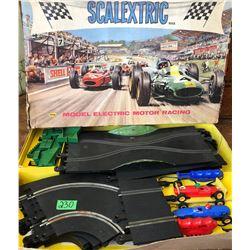 TRIANG 'SCALEXTRIC' MOTOR RACING SET
