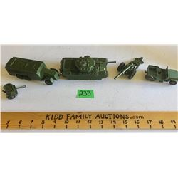 GR OF 5, DINKY TOYS MILITARY VEHICLES