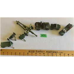 GR OF 7, DINKY TOYS MILITARY VEHICLES