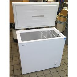 "Hisense Energy Star Chest Freezer Model FE703, 7.0 Cu.Ft. (35""W x 22""D x 32.5""H)"