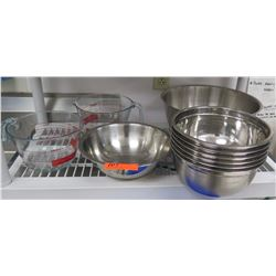 Multiple Stainless Steel Mixing Bowls & 2 Pyrex 44 oz Measuring Cups