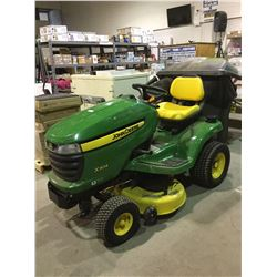 John Deere X304 Riding Lawn Mower LESS THAN 7 HOURS ON METER LIKE NEW