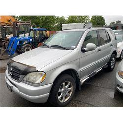 2000 MERCEDES ML430 SUV VIN 4JGAB72E8YA152240