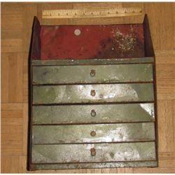 Old metal case - coffre vieux en métal