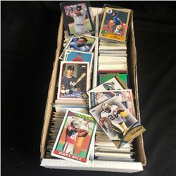 MIXED SPORTS TRADING CARD LOT