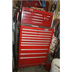 RED BEACH 18 DRAWER CABINET C/W ALL TOOLS, JACK ALL, HAMMERS & TAPE LINES