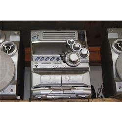 JVC RADIO & TABLE SAW