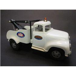 """Tonka Wrecker Truck- 12""""L X 6""""W X 6.5""""H"""