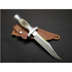 "Marked Ruana Bonner Montana Bowie Knife- Signed VN Hangas- Brass Parry Strip- Original Sheath- 6.5"""