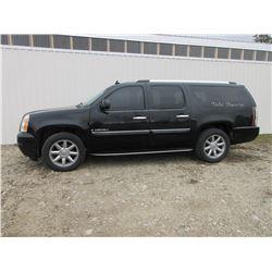 2007 GMC Yukon Denali XL(Extra Length) SUV- 4X4- New $3000 Air Suspension Air Ride Shocks, New Tires